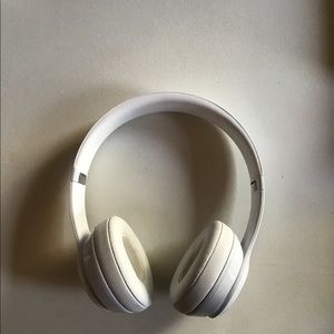 Beats by Dr. Dre Jewelry - Beats Solo 3 Wireless Headphones Gloss White